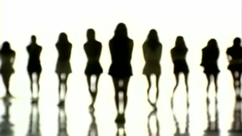 SNSD- Into The New World MV [HD] [www.keepvid.com] 001 (30)